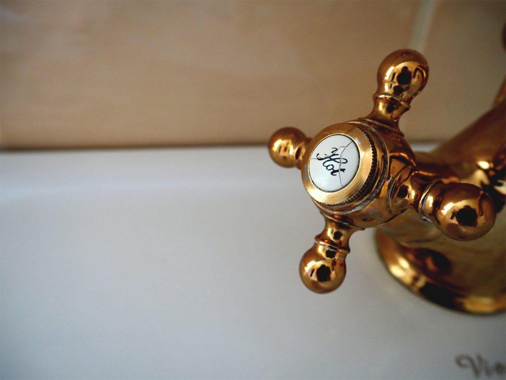 Température de l'eau chaude: le danger de régler votre chauffe-eau trop chaud 1